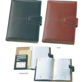 Agenda portafoglio semplice in similpelle con la stampa del logo della tua azienda,  Art. A42